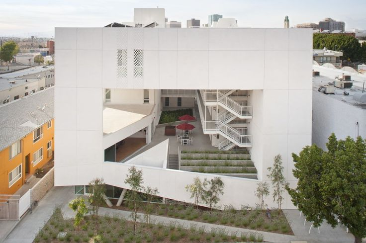 Brooks + Scarpa,The Six – Affordable Veterans Housing, Los Angeles, 2016