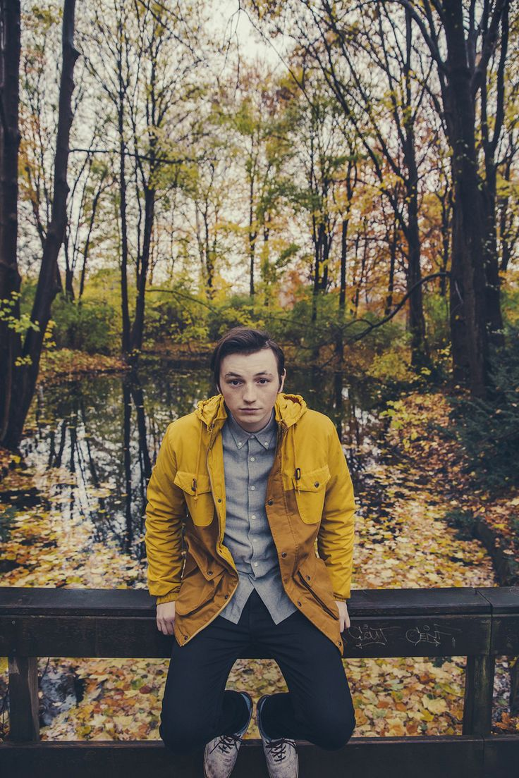 21-year-old British pop singer-songwriter/acoustic-guitarist, #LewisWatson , is rising towards the global skyline. The YouTube sensation-turned prolific iTunes chart topper has chosen our Sunday Sessions this weekend :-) Interview & Playlist: http://www.creation.com.es/lewis-watson/