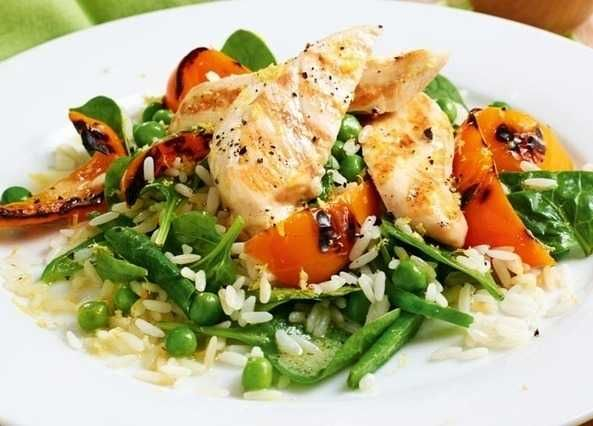 A fresh-tasting chicken and rice dish with a tangy lemon dressing.