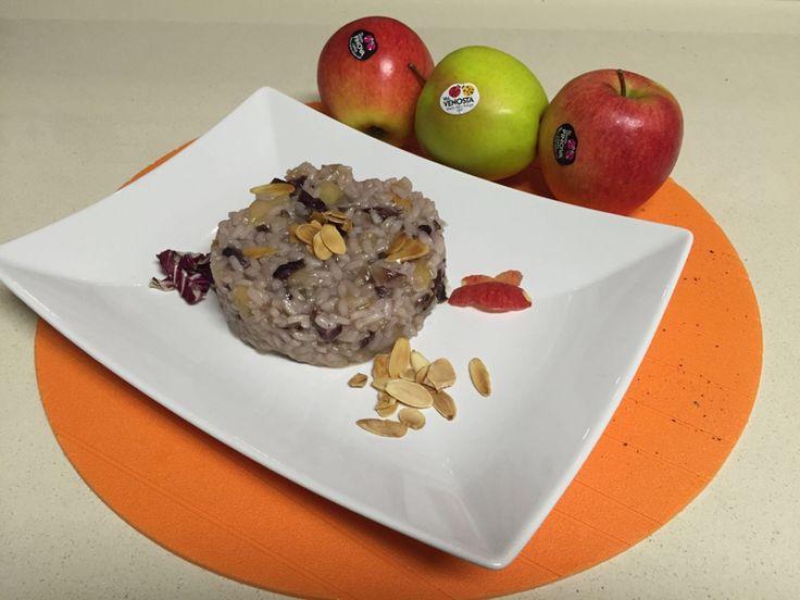 Risotto al radicchio rosso e mele con mandorle tostate, di Elena per Mela Val Venosta