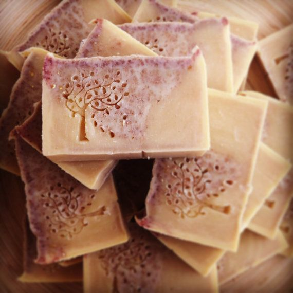 Luxurious and Soft on the skin, this bar is soothing while you wash, soft chai and cinnamon scents to gently wake you up or calm you down after a