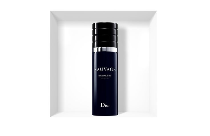 Discover Sauvage by Christian Dior available in Dior official online store. Beautiful essences and olfactory notes of an iconic fragrance.