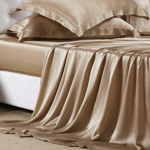 Silk sheet set provides the benefit of being kind to both the skin and hair, due to the silk's high protein content, and assists in keeping hair smooth and skin soft.