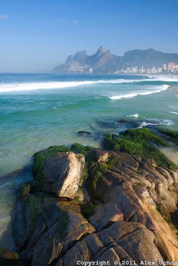 Vista da Praia de Ipanema a partir da pedra do arpoador, no Rio de Janeiro.Brasil.