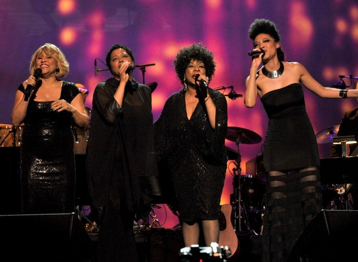 Darlene Love, Lisa Fischer, Merry Clayton, and Judith Hill from20 Feet From Stardomperform at the 2014 MusiCares Person of the Year tribut...