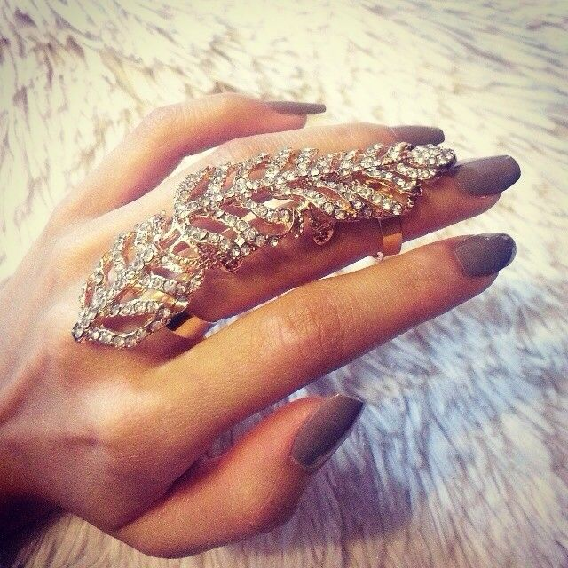 Nails Just Look Better With A Diamond Ring On Your Finger: 1000+ Images About Ring Decor Set On Pinterest