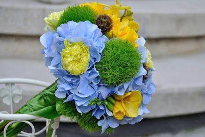 Flowers Garden Weddings: Buchet mireasa, hortensii, garoafe, scabiosa, orhi...