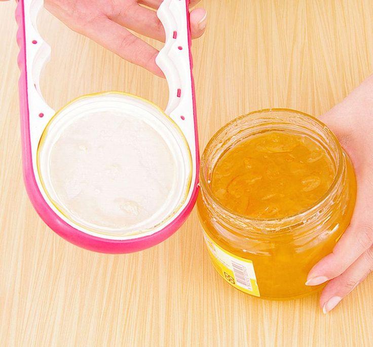 С помощью открывалки для винтовых банок Вы без труда откроете с диаметром крышки от самой большой  до самой маленькой. С ней справится взрослый и подросток.  Наденьте открывалку на крышку, зажмите рукой и поверните против часовой стрелки. http://zacaz.ru/products/dom-byt-kuhnya/dlya-kuhni/otkryvalka-dlya-kryshek/