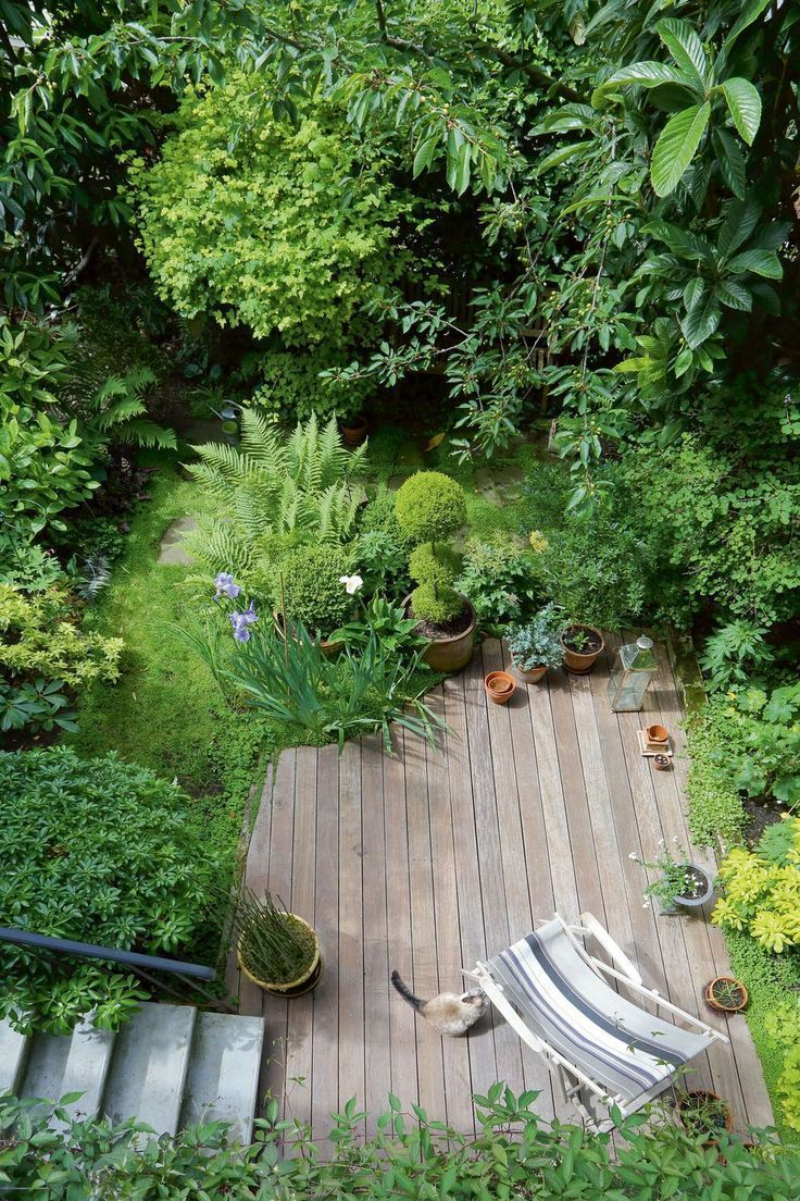 Eine Terrasse Hat Im Garten Platz Gefunden In 2020 Small Backyard Landscaping Small Garden Design Courtyard Gardens Design