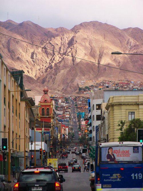 Antofagasta. Mezcla de Viña y Valpo, pero sin verde.