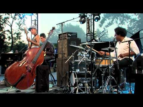 Esperanza Spalding Festival Jazz des Cinq Continents Marseille 2010