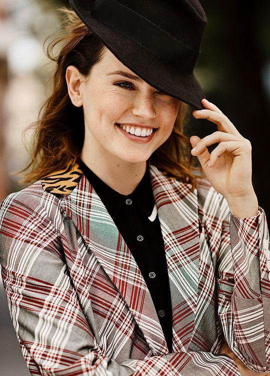 Daisy Ridley for Glamour Magazine (2017)