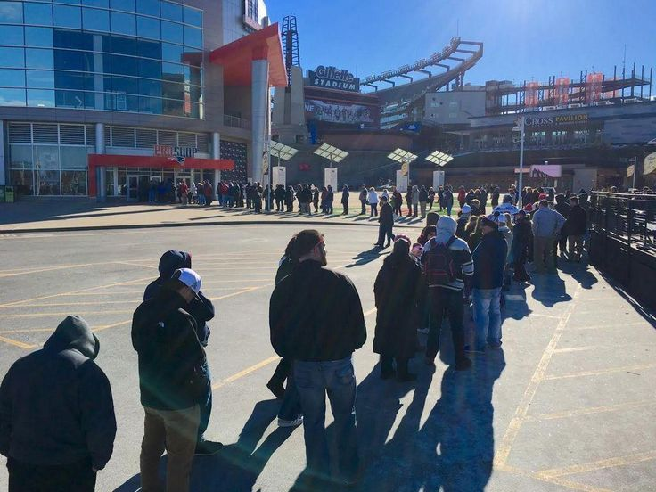 FOXBORO, Mass. -- Fans of the New England Patriots lined up outside the pro shop at Gillette Stadium Monday afternoon. They are in for a three-hour wait