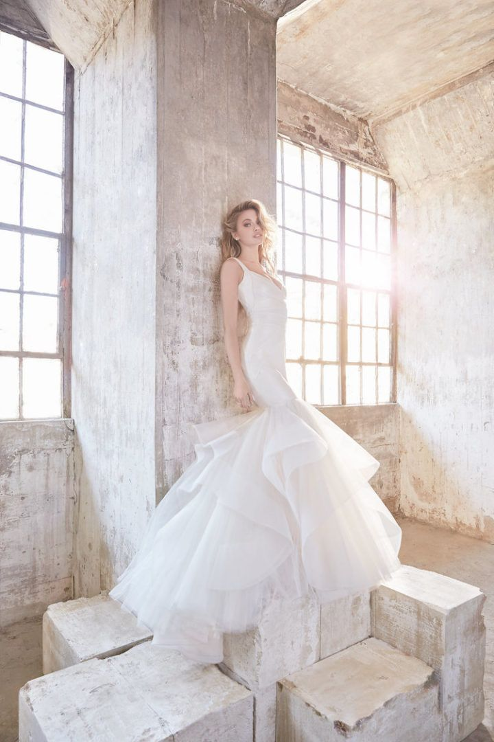 You can always count on Hayley Paige to provide stellar wedding dress inspiration! These Spring 2018 Hayley Paige wedding dresses are full of the show stopping glamour that every bride dreams of. Prepare to swoon over cascading ballgowns, trendy necklines, chic appliques and more in this new collection. The prestigious designer has mastered cascading tulle …