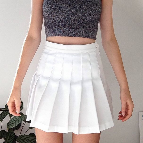I really wanna get one of these skirts for when it gets hotter. Hopefully if I pull them down a little they will be fingertip for dress code ☺️
