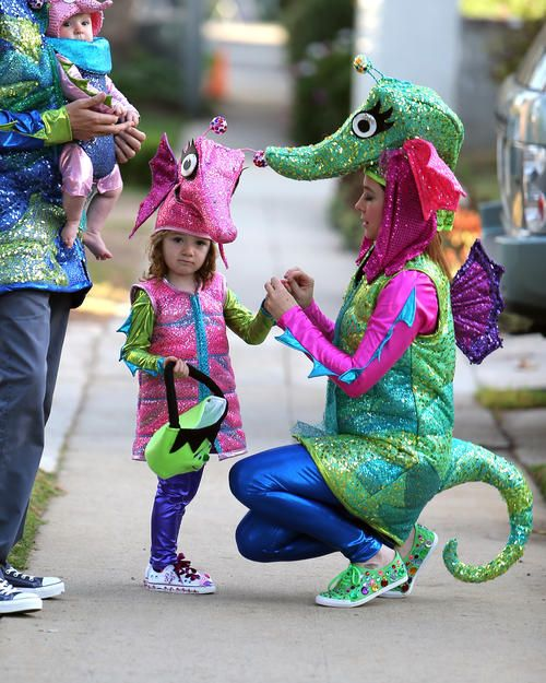Sea Horse Family Costumes : Satyana and Keeva Denis of Fashion Blog: December 2012