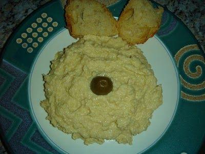 Betty's Cuisine: Ταραμοσαλάτα με ψωμί