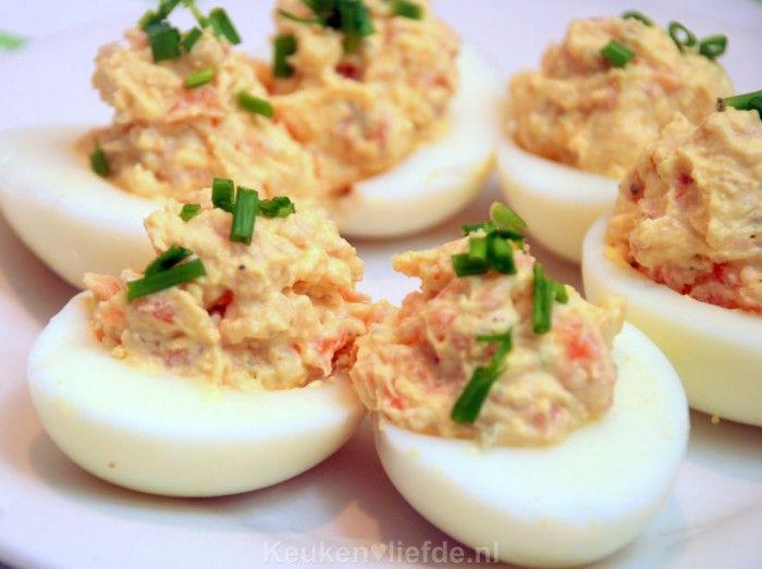 Gevulde eieren met gerookte zalm: het perfecte (Kerst)hapje!
