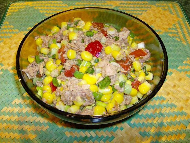 Reteta culinara Salata de ton cu porumb din categoria Salate. Cum sa faci Salata de ton cu porumb