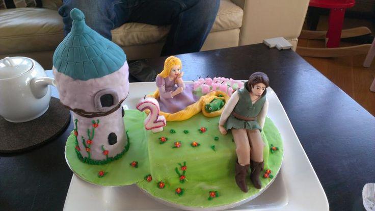 Tangled tower Rapunzel and Flynn Ryder Cake.