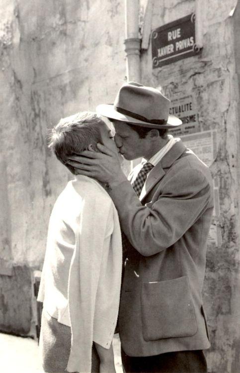 Jean Seberg and Jean Paul Belmondo in A bout de souffle [AKA Breathless]    (Jean-Luc Godard, 1960)