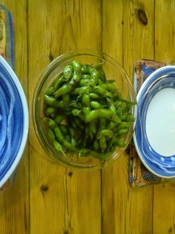 Edamame con glassa alla soia e zenzero: http://alincucina.blogspot.co.uk/2014/10/ricetta-speciale.html