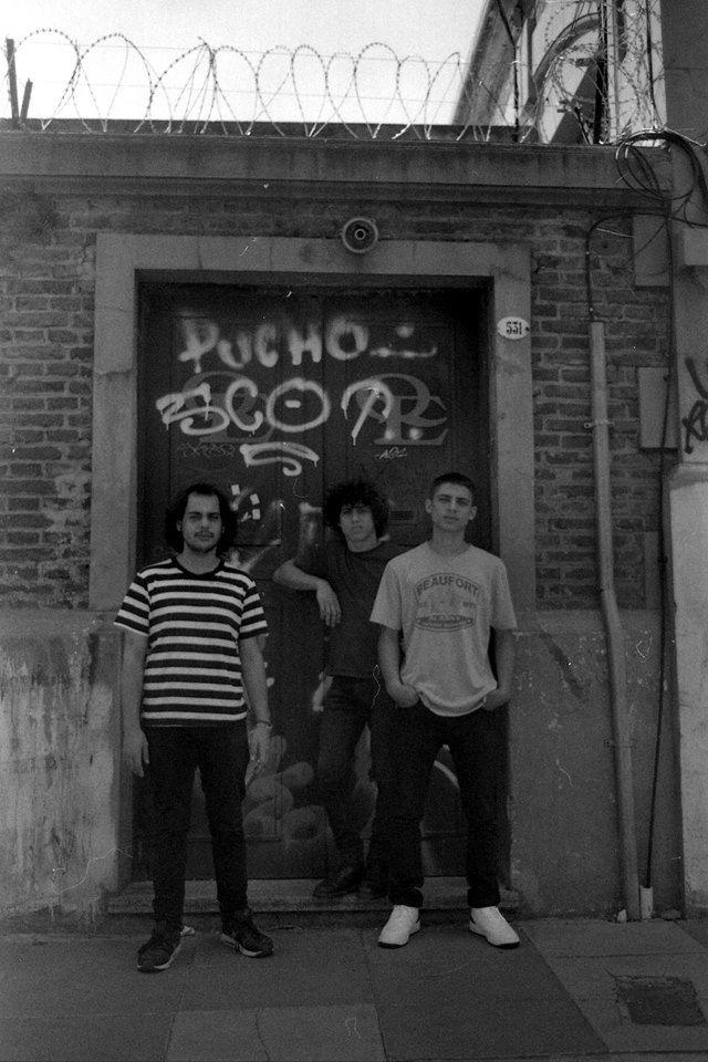 DOBLE GOTA psychodelic rock 2014 analogic photo  ph: violeta capasso  ** http://www.doblegota.bandcamp.com ***  rex gonçalves-bass&vocals nacho noceti-guitar alejandro fieres-drums #doblegota #psychodelic #rock #stoner #film #analog #analogicphoto #photo