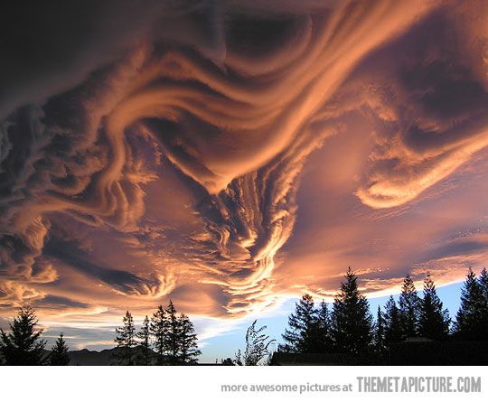 Awesome asperatus cloud at sunset in New Zealand. WOW