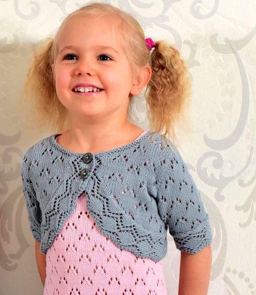 Grey Bolero for girls - Free pattern