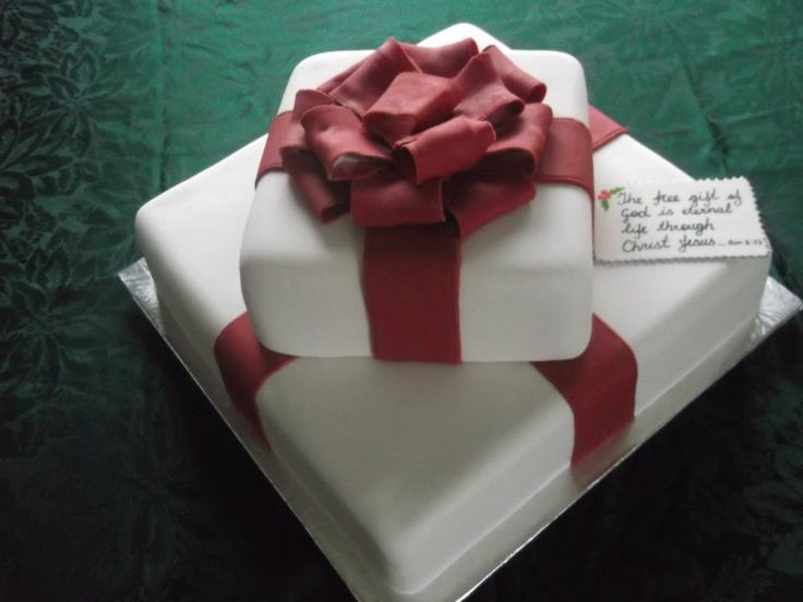 this is a lynlee & mum creation - Christmas cake for church 2011
