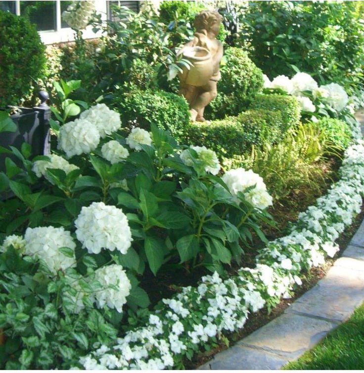 Wow ... alles in weiß blühende Pflanzen , edel und rein, so rein wie die…