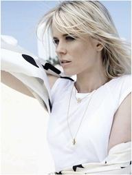 Professional photo of beauty singer Ilse de Lange