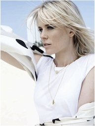 Professional photo of beauty singer Ilse de Lange