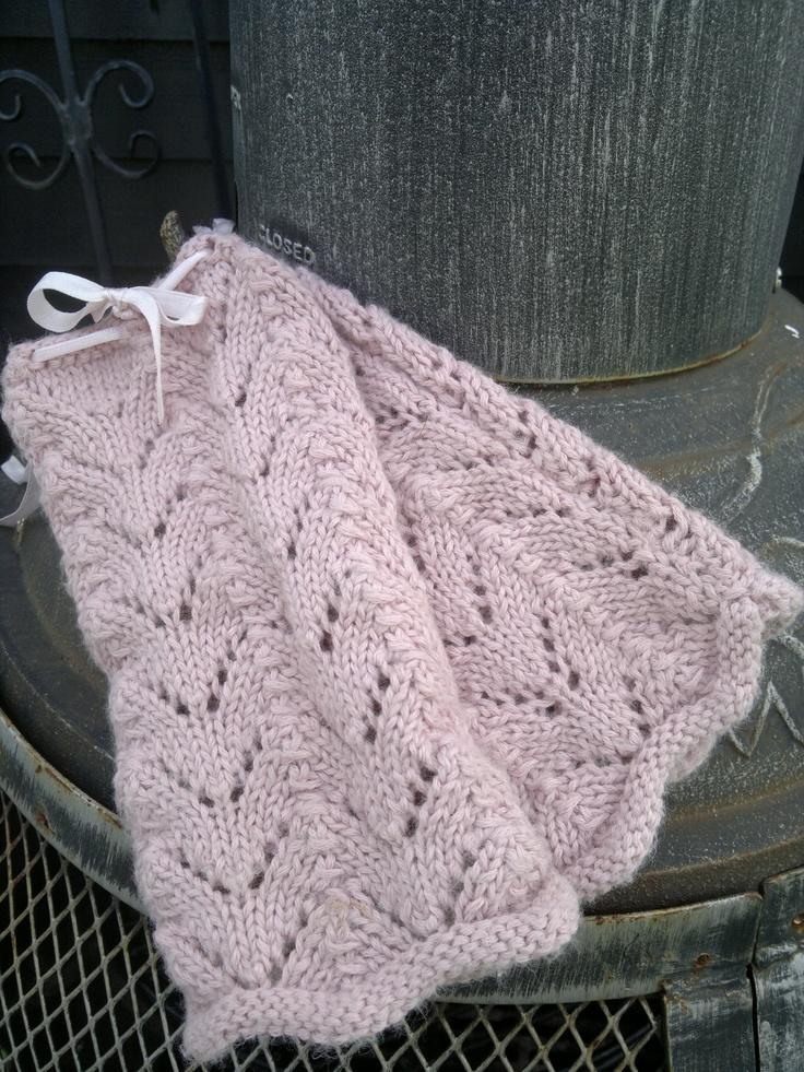 handwarmer Siv in super soft wool.   http://sussili.blogspot.se/2013/03/vita-var-sommar-styles-2013.html