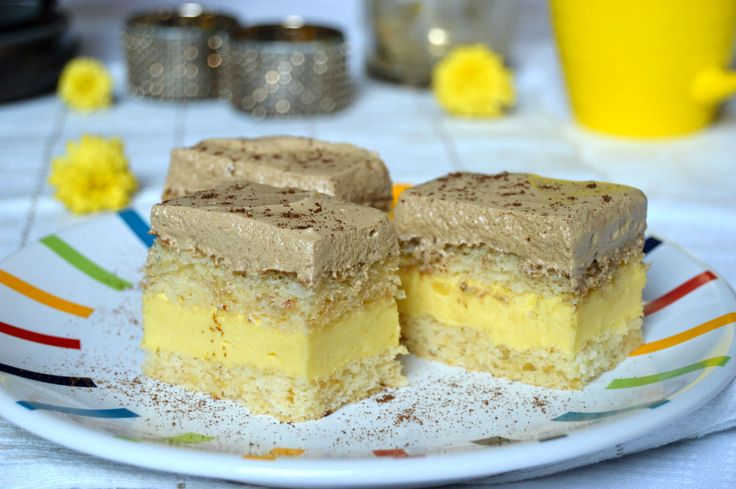 Prajitura cu crema de vanilie si spuma de ness