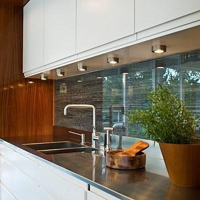 love the counter, backsplash, lighting...