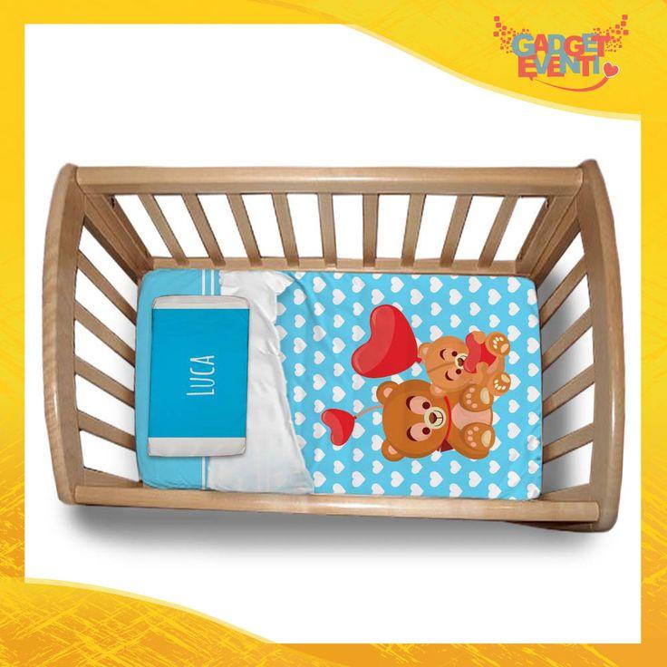 Scopri i nostri set personalizzabili di biancheria per culla bimbo, composti da lenzuolo di copertura, copripiumino, trapunta e federe. Fai un regalo speciale ai tuoi bimbi.