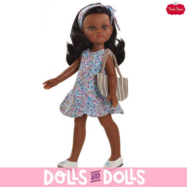 Nora pertenecen a la familia de #LasAmigas de #PaolaReina, mide 32 centímetros y tiene articulaciones en cabeza, hombros y piernas. Le encanta bailar, ir a la playa, disfrazarse, pasárselo genial en su tiempo libre y siempre luce vestidos informales pero muy chic que les sientan fenomenal. También tenemos ropa y complementos para que amplíes su fondo armario. #Dolls #PaolaReinaDolls #DollsMadeInSpain #Muñecas #Bonecas #Poupées #Bambole