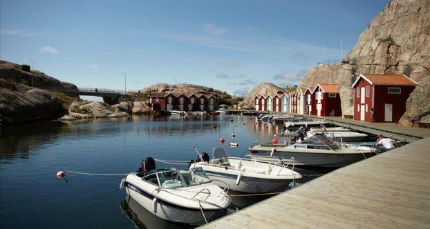 Auf der Route rund um den Vänernsee, dem größten See in Skandinavien, gibt es jede Menge zu entdecken. In der pulsierenden Metropole Göteborg oder in den Fischerdörfern an der Schärenküste wird sic...