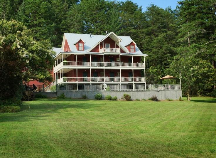 stay at GlenElla Springs Inn in Clarkesville Cozy inn