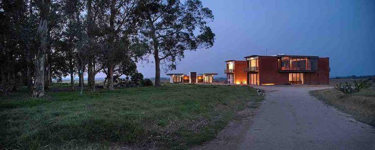 Уругвайский дом Luna Llena от студии Candida Tabet Arquitetura