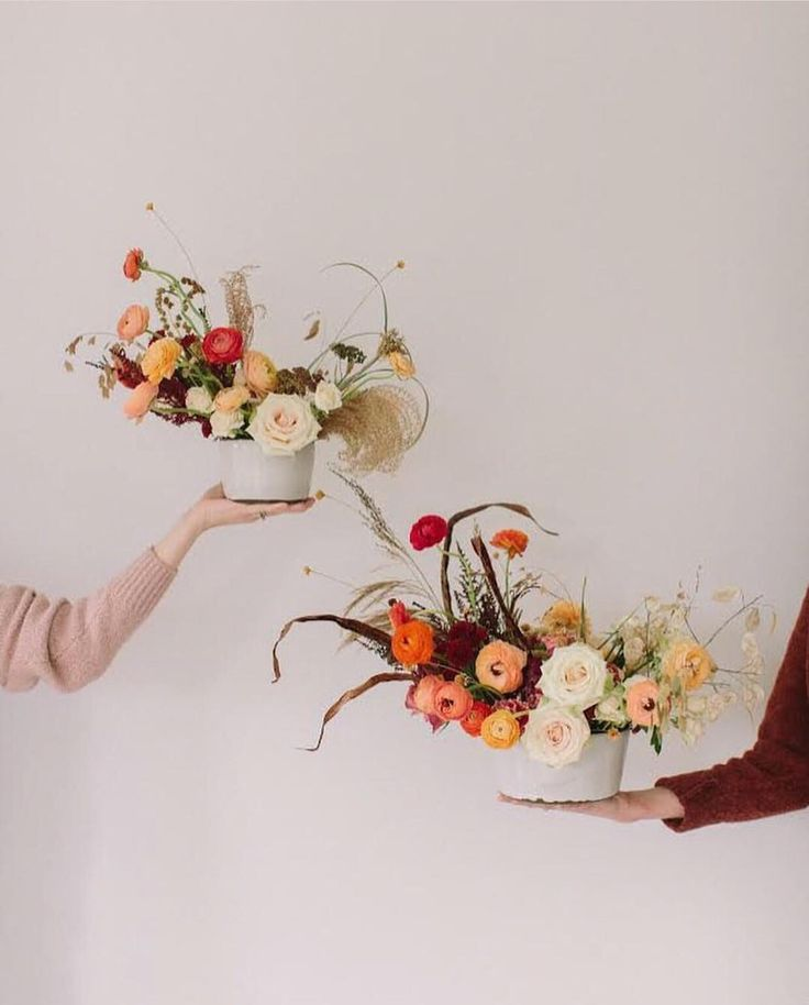 This is it! Last day to order a  @wld_wst  centerpiece for delivery before thanksgiving! After today your next chance for fresh flower delivery will be the week before Xmas. We have a few of @thewhitehearth beautiful handmade bowls left - dont miss out! . .photo: @angelanewtonroyphotography . . #wildgreenyonder #wldwst #vaflorist #vaflowers  #virginiaflowers #virginiagrown #buylocal #shopsmall #centerpiece #floraldesign #flowerdelivery #thanksgiving #thanksgivingflowers