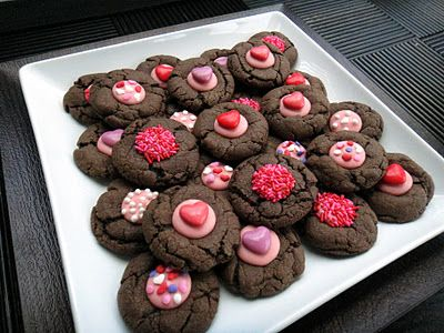 Worth Pinning: Chocolate Cookies with hearts