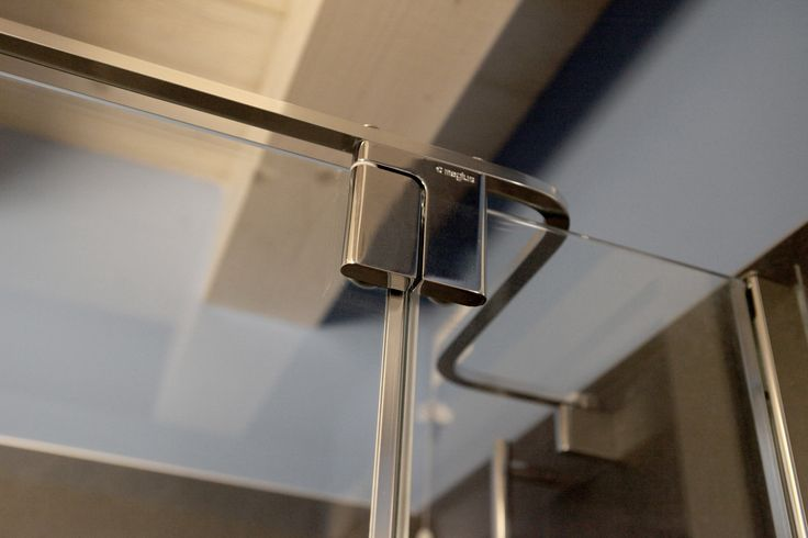Cerniera Must, doccia di design by Megius