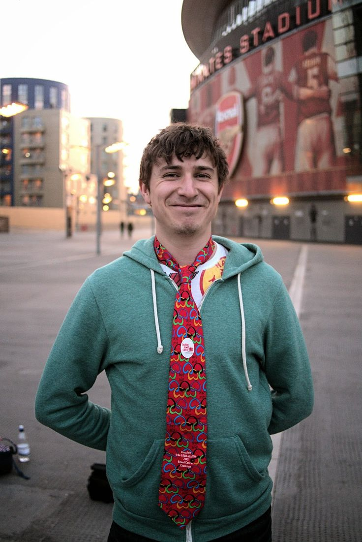 Meeting comedian and actor Tom Rosenthal for the Lives & Times bowel cancer fundraising book