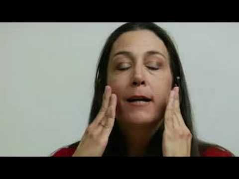 Relaxing the face will help your public speaking, aiding relaxation and articulation. Learn speech prep from a professional communicator in this free public speaking video.    Expert: Tracy Goodwin  Bio: Tracy Goodwin has received numerous public speaking awards and has been a college professor of public speaking, interpersonal communications, voic...