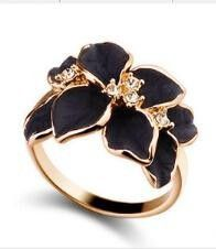 R009 2016 Hotting Sale Jewelry Ring With Rose Gold Plt SWA Elements Austrian Crystal Black Enamel Flower/Wedding Ring For Women