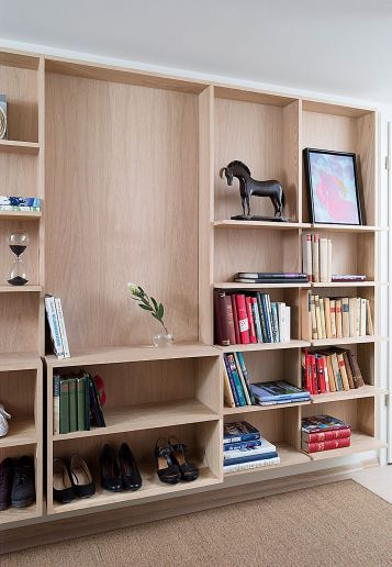 Combined wardrobe, storage and bookshelf // by Romlaboratoriet AS