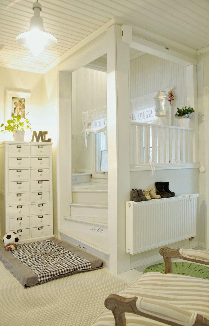 Tarja's Snowland / old house / renovated / staircase / hall / lobby / scandinavian home / scandinavian house