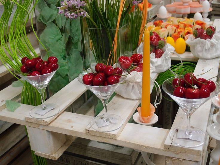 103 best idee vetrine per negozi primavera pasqua images on pinterest - Idee per vetrine primaverili ...